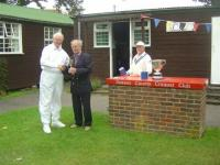 August tournament: Alan Mayne receives the Scott Cup (photo: Margaret Russell)