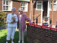 August Tournament: Wendy Spencer-Smith, Winner of the Monteith Bowl, with Hyacinth Coombs